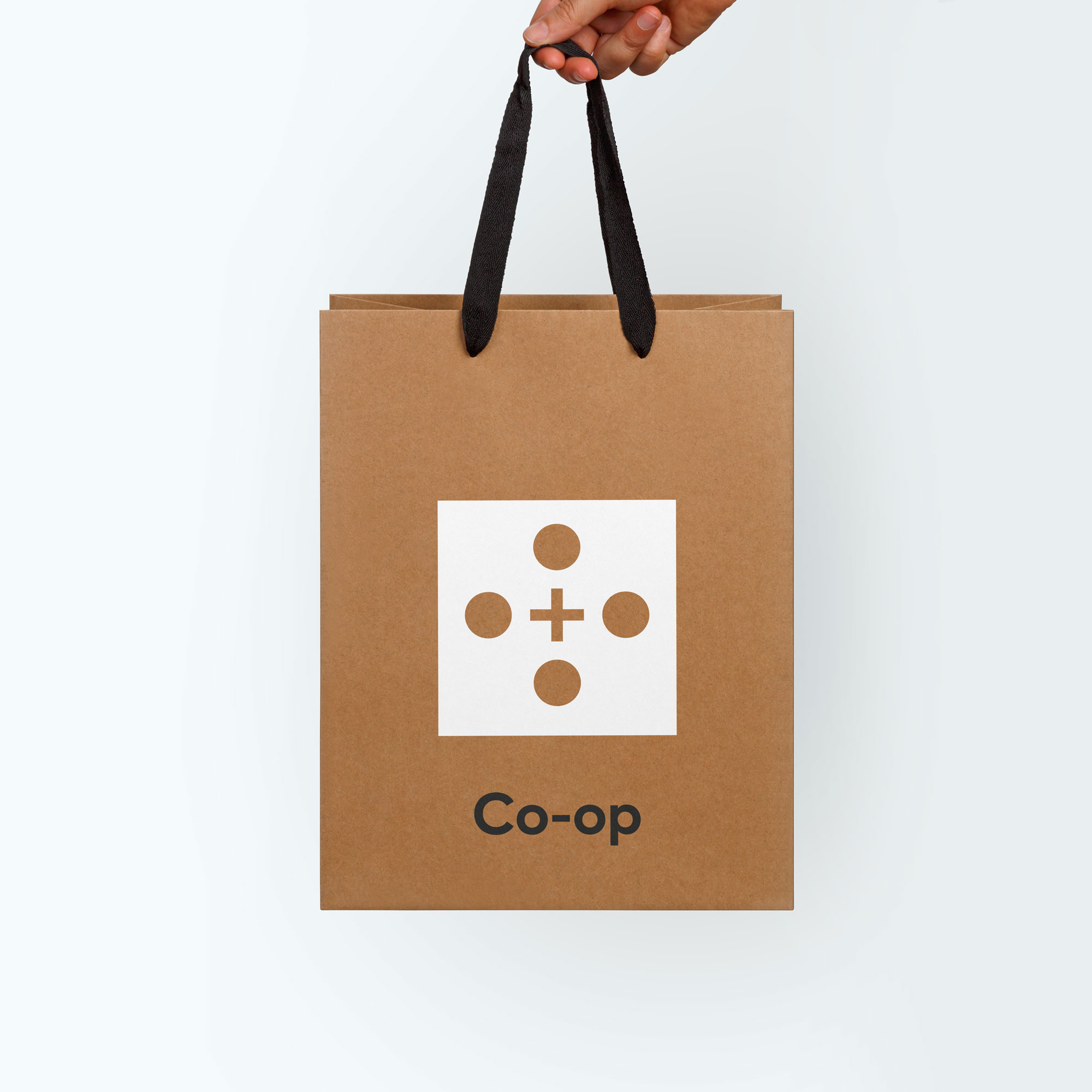 andreas_weiland_first_round_coop_bag